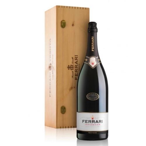 FERRARI Grand Cuvée Jeroboam 2014 - A Gran Cuvée Line szüreti Trentodoc borokat kínál 100% Chardonnay-ból, amelyeket legalább 5 évig hagynak érlelni különleges méretű üvegekben.