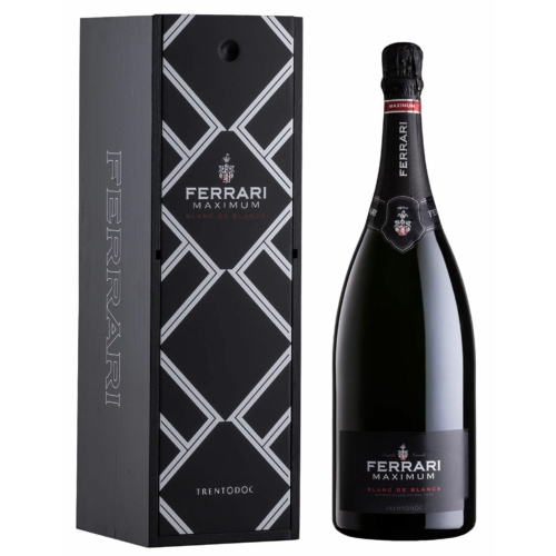 Fekete fa díszdobozban.FERRARI Maximum Blanc de Blancs Brut Mangum - Az első, de mégis ízig vérig modern! - 100% Chardonnay - Trentino, Olaszország