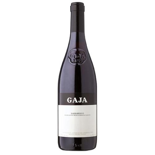 GAJA Barbaresco DOP 2016 - A 14 különböző zóna szüretelt szőlőjét rozsdamentes acéltartályokban külön-külön erjesztik körülbelül 20 napig, az évjárattól függően.